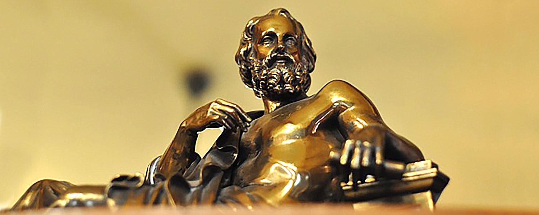 immagine di una statua del pensatore per esprimere il concetto: Silenzio... è tempo di pensare, un tempo che sembra sprecato, senza questo tempo però dove andiamo?